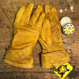 Ducs wax applied Flat tracker gloves