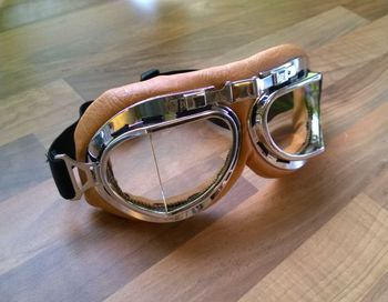 Goggles, brown