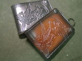 "Anvil Bifold leather wallet with chain, ""3 little birds"""